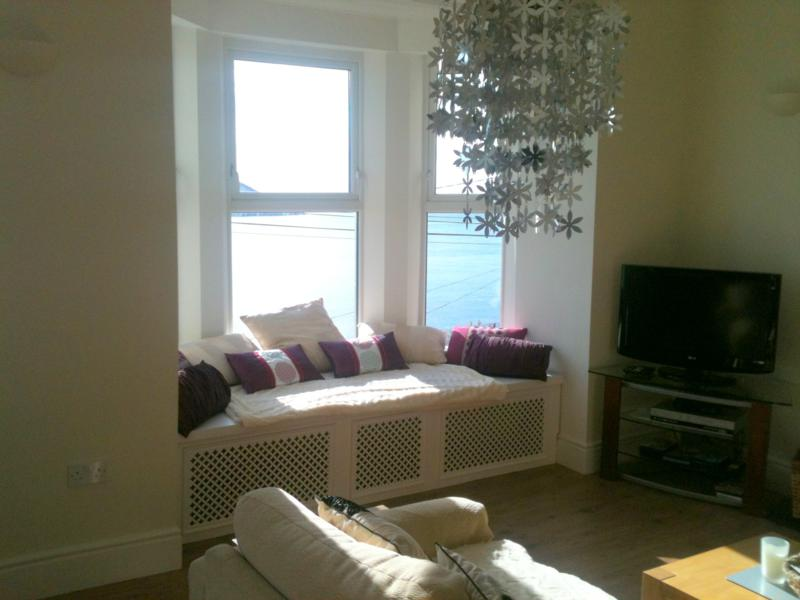 Awe Inspiring 4 Clifton Luxury Self Catering Seaview House Youghal Cork Ncnpc Chair Design For Home Ncnpcorg